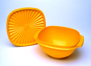 Tupperware bowl and lid
