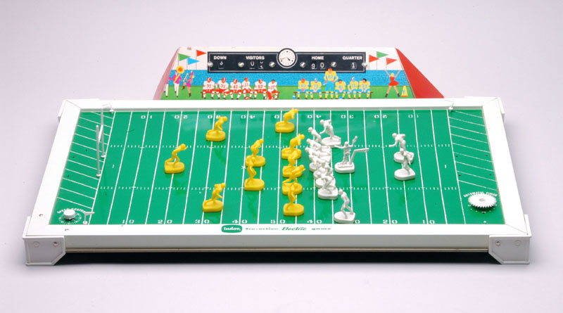 Brilliant 1960s Electric Football Game 800 x 445 · 73 kB · jpeg