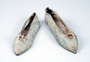 Pair of 18th  century slippers