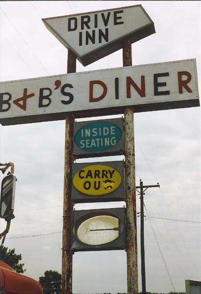 Sign for B + B's Diner in Stanberry