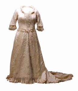 Off-white beads and lace, 1884 & 1911.