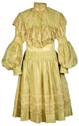 Girl's Pouter Pigeon dress, 1900-1910.