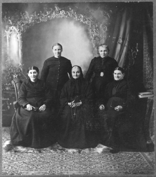 Volga German women in Ellis, ca. 1895