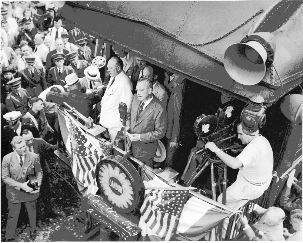 Gov. Alf Landon speaking from a railroad car.