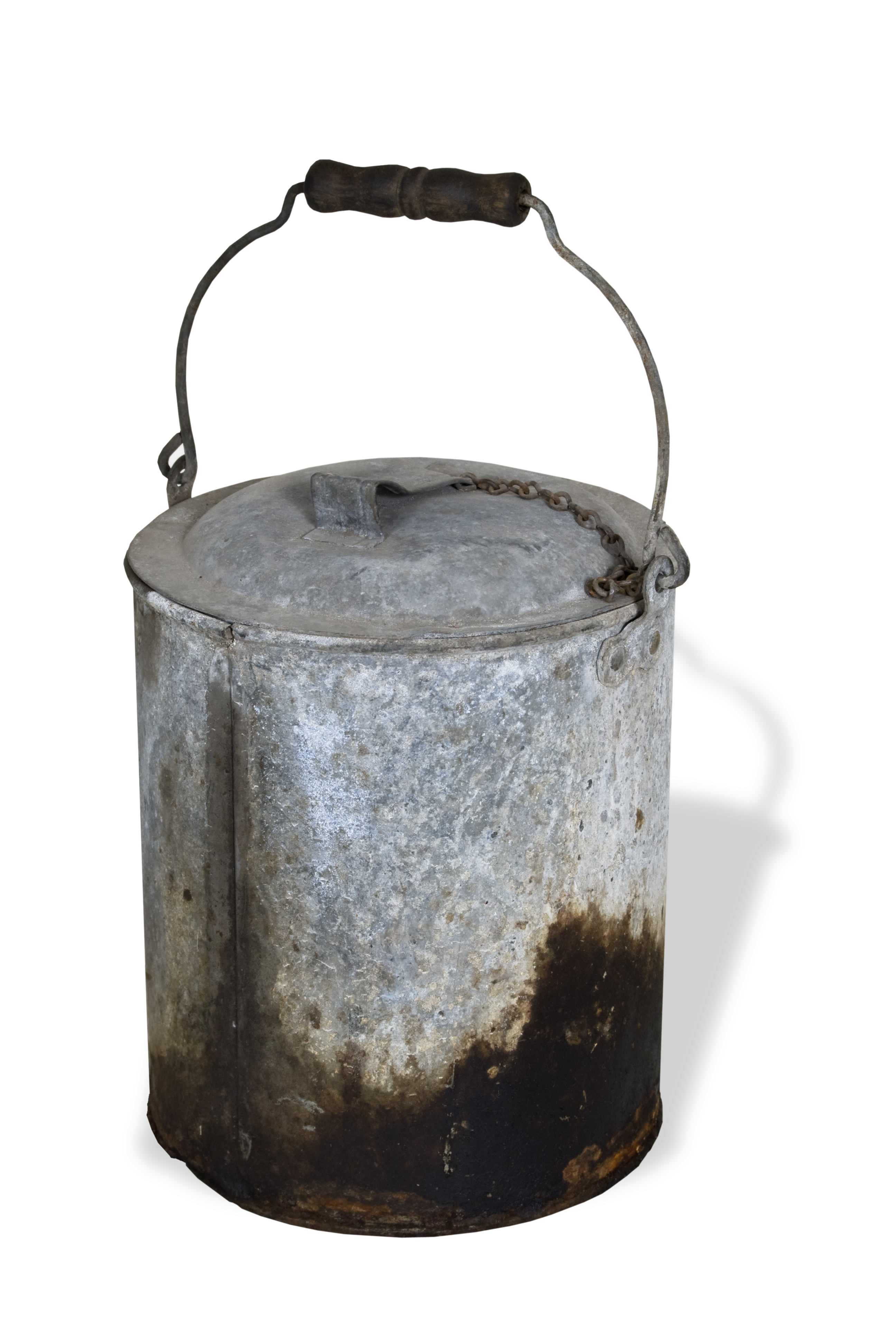 Railroad bucket with lid