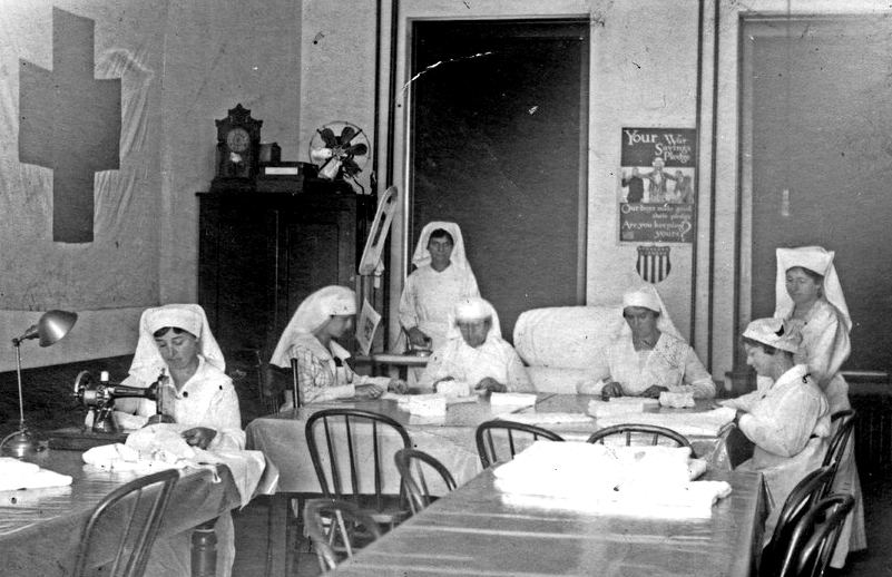 Red Cross workers in Seneca, circa 1914