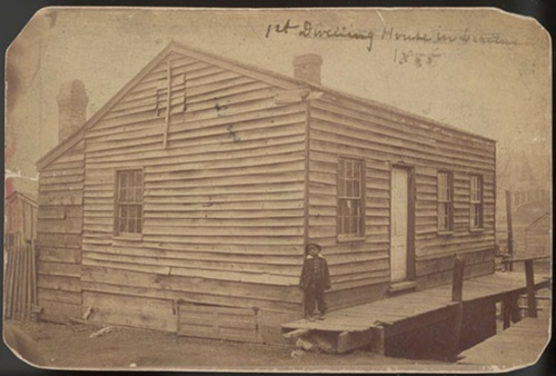 Image of first dwelling in Leavenworth