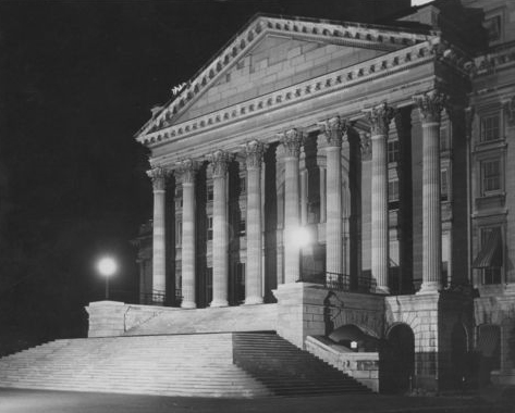Kansas State Capitol at night, 1947
