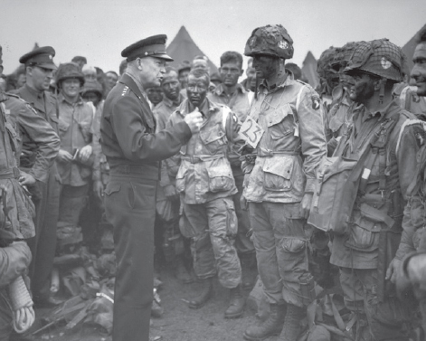 Eisenhower with troops prior to D-Day