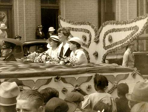 Amelia Earhart in Atchison parade, 1935