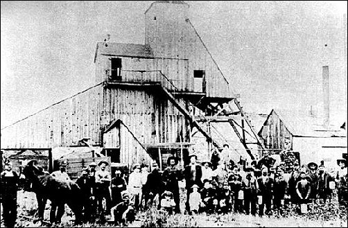 Shaft mine No. 6 of the Crowe Coal Company about 1904