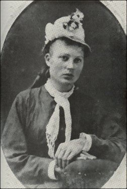 Portrait of a young Anna Webber