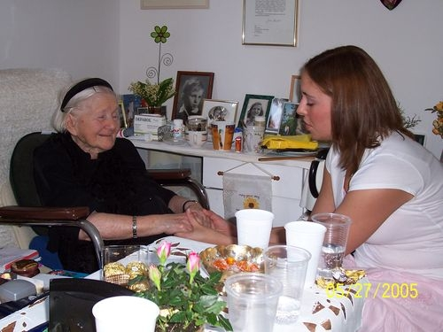 Uniontown student, Jess with Irena Sendler, 2005