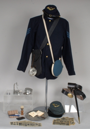 Life of a Civil War Soldier trunk contents